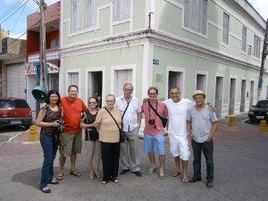 Diante da casa de Jorge de Lima em União dos Palmares