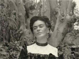 Frida fotografada por Lola Alvarez Bravo_1942_lg